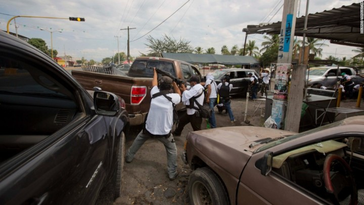 140117065223-08-mexican-vigilantes-horizontal-large-gallery